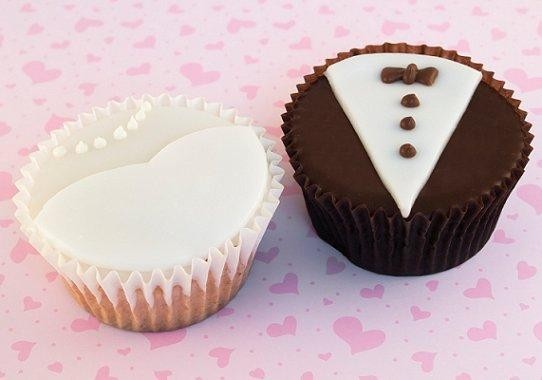 File:Weddingcupcakes.jpg