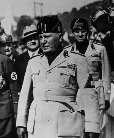 File:Bundesarchiv Bild 183-2007-1022-506, Italien, deutsche Frontkämpfer in Rom crop.jpg