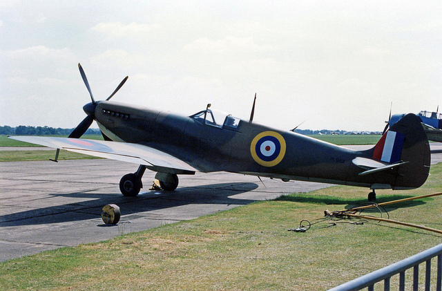 File:PL983 at Duxford.jpg