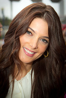 220px-Ashley Greene Co...