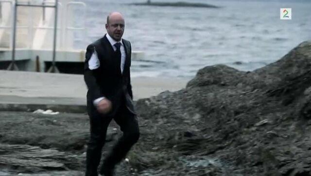 Fil:Pelle etter båtulykken.jpg