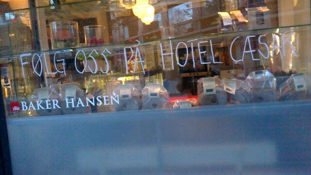 Fil:Baker Hansen hotel cæsar.jpg