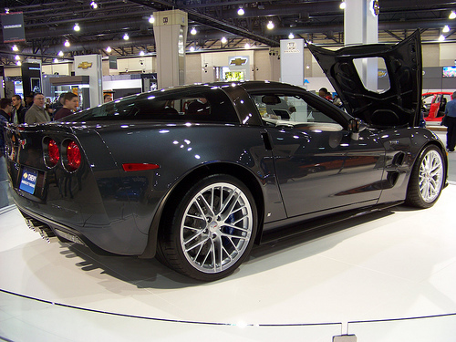 File:2009 Chevrolet Corvette ZR1