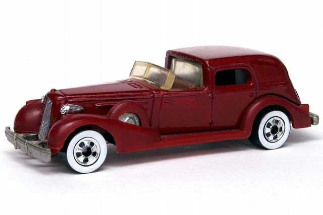 File:Burgundy '35 Classic Caddy - 5372df.jpg