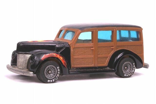 File:'40's Woodie - 3310ff.jpg