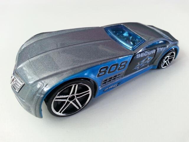 File:Cadillac V-16 Concept (Hardnoze) 1 side.jpg