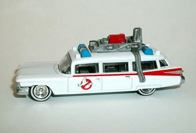 File:HW-2016-Entertainment Series-Mix A-Ghostbusters ECTO-1.jpg