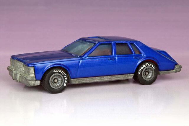 File:Custom Cadillac Seville - 2545ff.jpg
