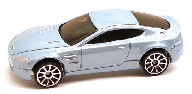 File:AstonMartinVantage DreamGarage5pack.JPG