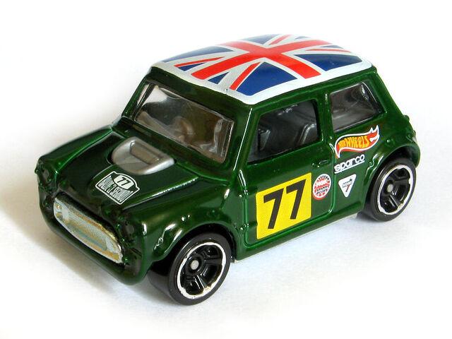 File:Morris Mini 194-250 2014 front.jpg