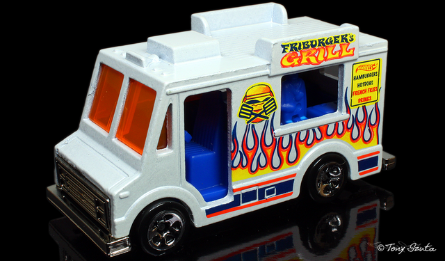 File:Ice cream truck 2011 white.png