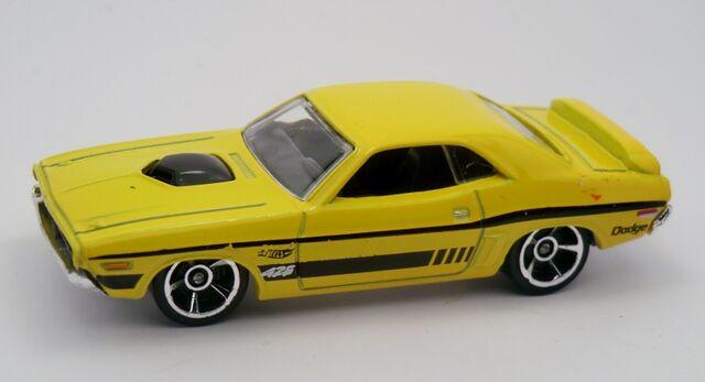 File:'71 Dodge Challenger-2013 222.jpg