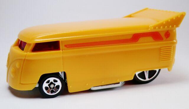 File:Volkswagen Drag Bus-2012 Light Speeders.jpg