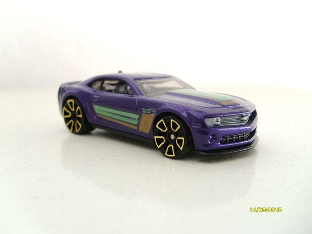 File:Camaro 2013 special edition purple.JPG