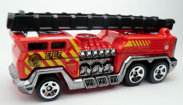 File:5 Alarm-2013 011 Rescue.jpg