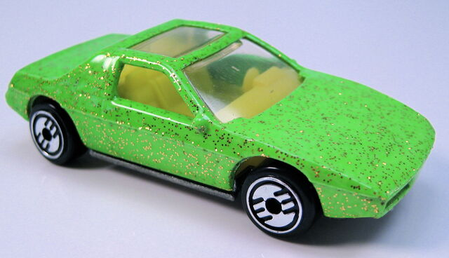 File:Pontiac fiero 2m4 green gold glitter.JPG