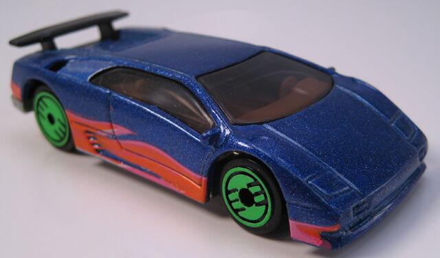 File:Lamborghini Diablo revealers blue metallic.JPG