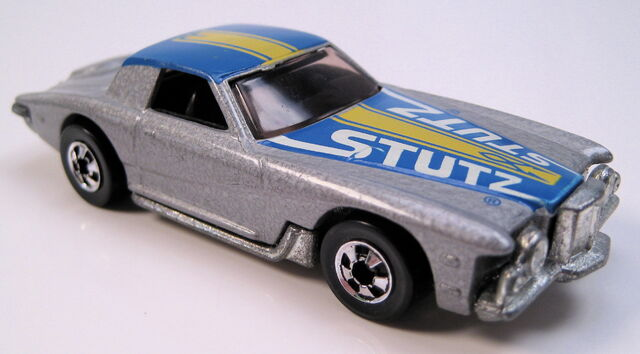 File:Stutz blackhawk grey, BW, metal HK base.JPG