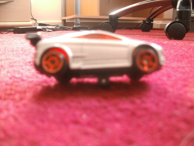 File:Unknown Car 2 - McDonalds 2006.JPG
