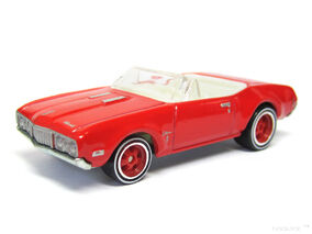 Hot Wheels 2013 68 Olds Cutlass Convertible