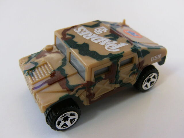 File:Hummer SD Padres 76.jpg
