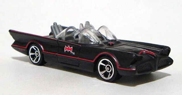 File:HW TV-Series-Batmobile Flat-Black 2016 RF DSCF8800.jpg