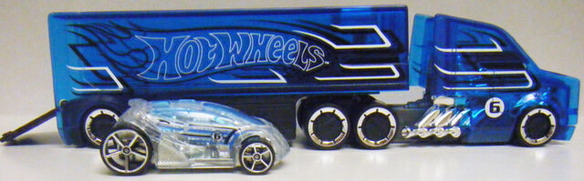 File:Truckin Transporters and Vandetta - N1992.jpg