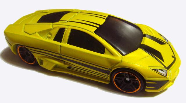 File:2012 V5607 Lamborghini Reventon Yellow.jpg