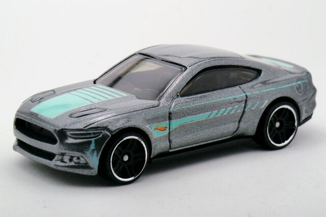 File:2015 Ford Mustang GT-2015 recolor.jpg