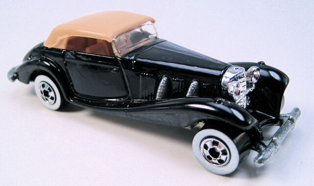 File:Mercedes 540K black tan top WW MAL base.JPG