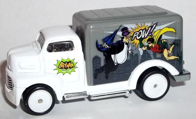 File:HW-Batman Classic TV Series-'49 Ford COE-Penguin.jpg
