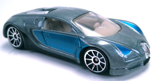 File:Bugatti Veyron grey blue 10sp wheels 2006.JPG