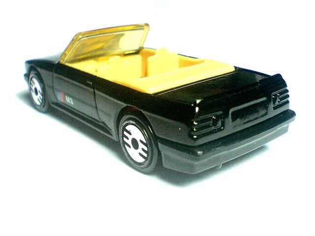 File:1989 BMW 323 d.jpg