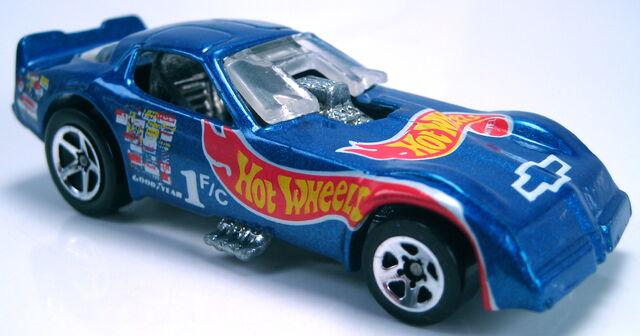 File:Firebird Funny Car race team 5sp 1995.JPG