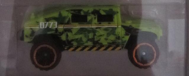 File:2014 Humvee.png