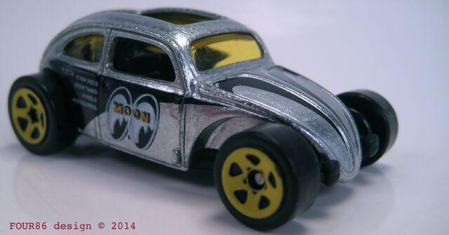File:Custom volkswagen beetle zamac walmart 2014.jpg
