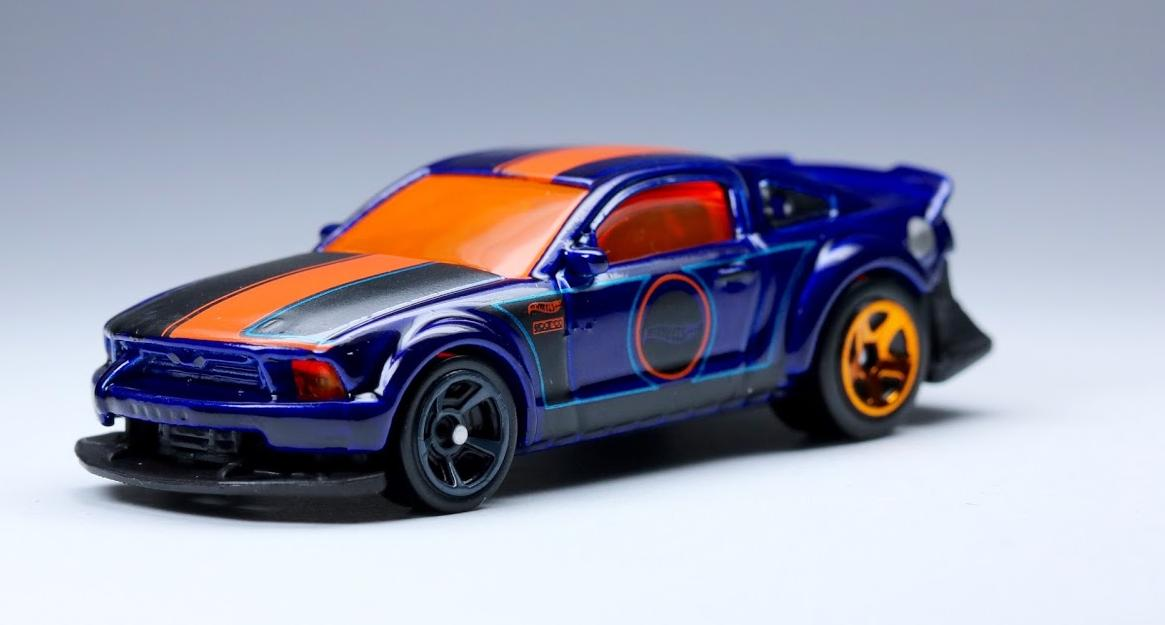 2005 ford mustang hot wheels wiki fandom powered by wikia. Black Bedroom Furniture Sets. Home Design Ideas