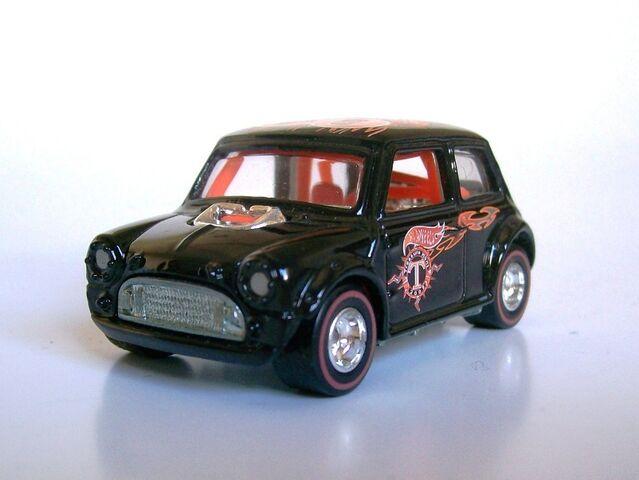 File:2002 Treasure Hunt Morris Mini.jpg
