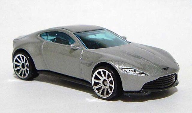 File:HW Aston-Martin-DB10 Silver 2016 RF DSCF9195.jpg