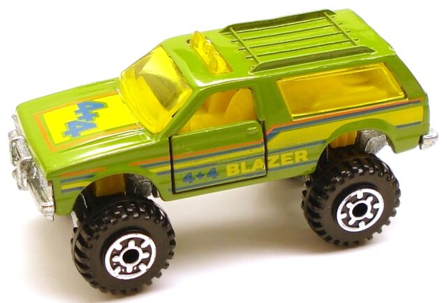 File:Blazer4x4 green.JPG
