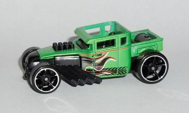 File:HW-Trackin' Trucks Bonus Car-Bone Shaker.jpg