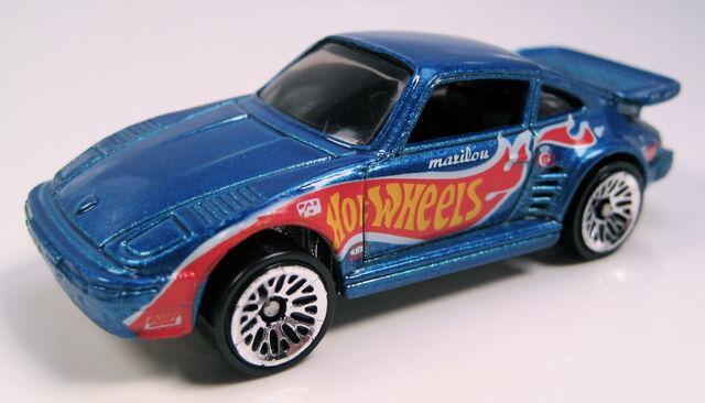 File:Porsche 930 blue 5-pack race team r.JPG
