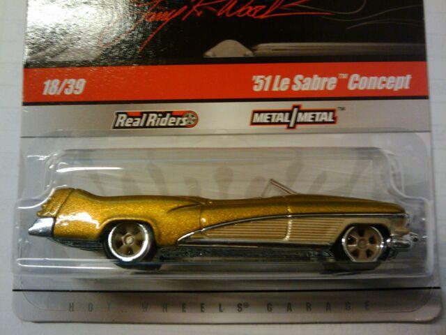 File:Larrys garage 51 le sabre concept gold.jpg