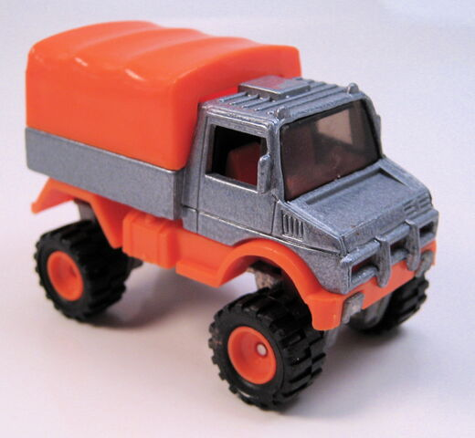 File:Mercedes Benz Unimog grey orange 1995 real riders series MAL base.JPG