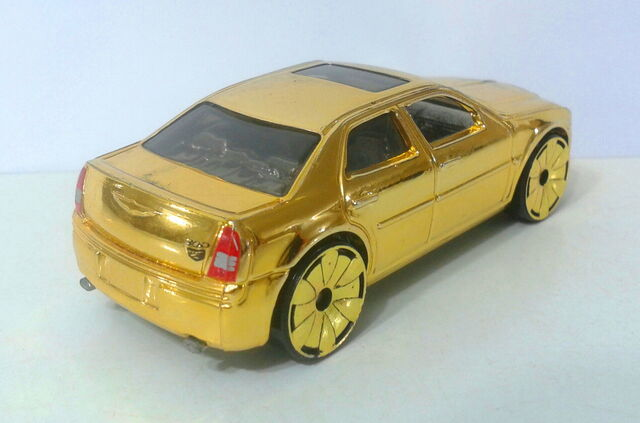 File:Chrysler 300C Hemi - Gold Rides 1 - 07 - 3.jpg