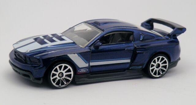 File:Custom '12 Ford Mustang-2013 230.jpg