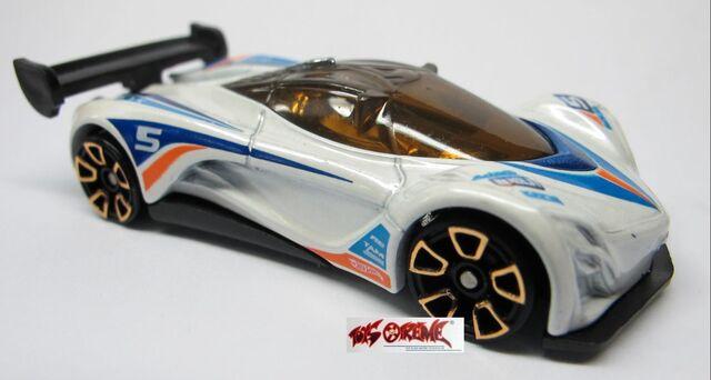 File:2012-Mazda Furai-White,LOOSE-1.jpg