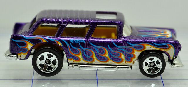 File:55-chevrolet-nomad-purple-flames-hw (2).jpg