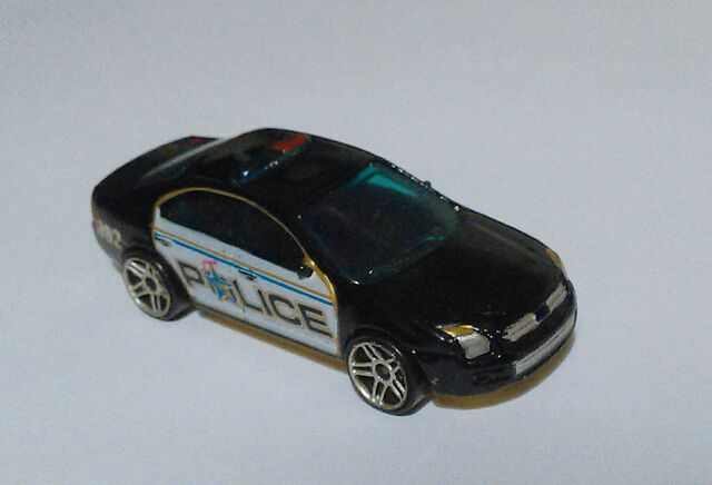 File:Hot wheels ford fusion police 5.jpg