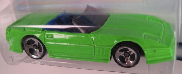 File:Corvette convertible mexico 2000 closeup.JPG